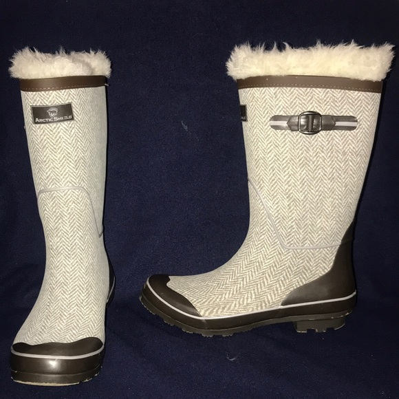 7b8f76dc0221b Arctic Shield Weather Proof Boots. M_5a42955633162769ea05c7e0